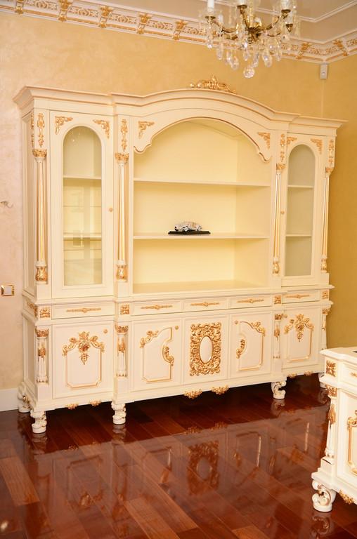 мебель в гостинную с резными элементами