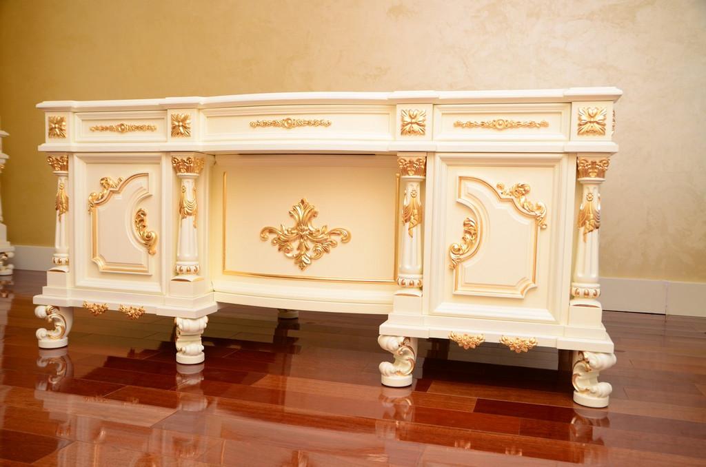 стол в кабинет с резьбой