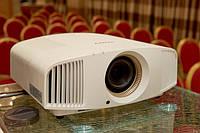 4K Ultra HD проектор SONY VPL-VW320ES
