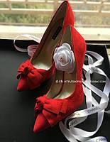 Замшевые туфли с бантом