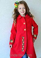 Яркое пальто красного цвета с вышивкой на девочку, фото 1