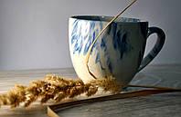 Красивая керамическая чашка