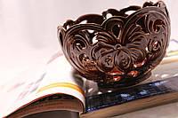 Красивая керамическая конфетница Лилия