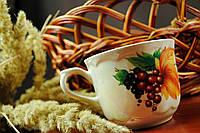 Чашка с виноградной веткой