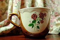Чашка с букетом гвоздик