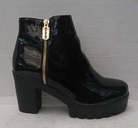 Ботинки женские лаковые чёрные на каблуке