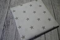 Лоскут ткани №7  с серыми звёздочками на белом фоне