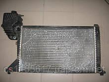 Радиатор охлаждения Behr 9015003500 б/у на Mercedes-Benz Sprinter 2.2cdi год 2000-2006