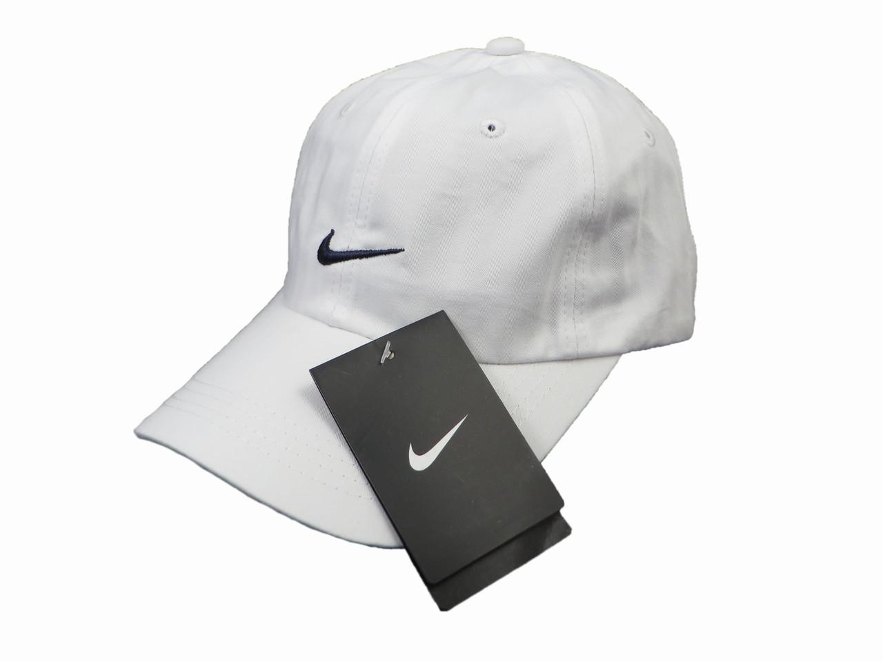 Белая бейсболка Nike с черным логотипом (реплика)