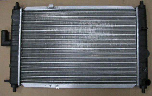 Радиатор охлаждения Opel Corsa C 2000- (1.8 1.7D 1.7DTI) 600*368мм по сотах KEMP