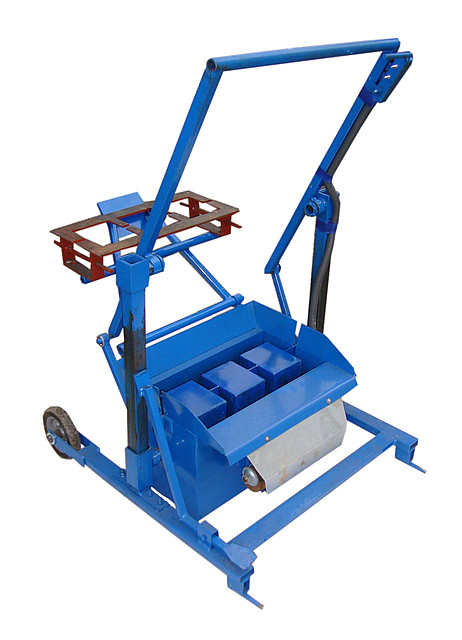 Вибростанок «КРАБ стандарт квадратные пустоты» - «МК-ОМБ» (мастер класс-оборудование малого бизнеса) в Житомире
