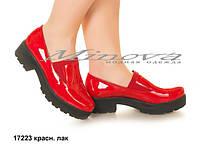 Женские туфли красный лак