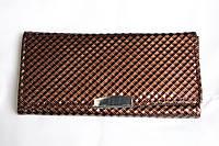 Женский дермантиновый кошелек коричневый