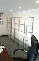 Стеклянные стеллажи: изготовление, установка