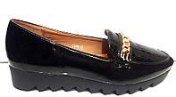 Туфли женские лаковые на низком ходу черные KF0207