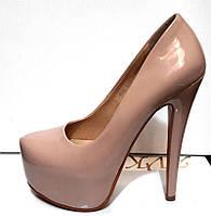 Туфли женские Лабутен Louboutin бежевые лаковые KF0194