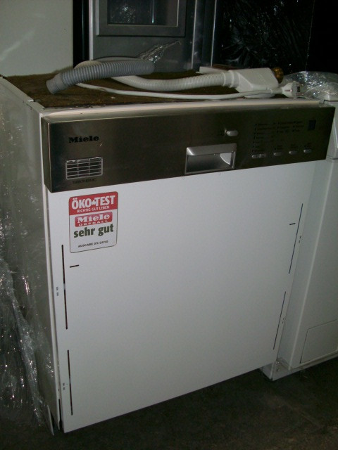 "Посудомоечная машина ""Miele G 894 SCI"""