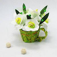Букет из конфет Нарциссы в кружке 7