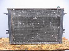 Радиатор охлаждения Valeo 93807661 б/у на Iveco Daily: 35-8, 30-8, 35-10, 40-8, 40-10; Alfa Romeo AR8