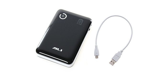 Повербанк / зарядное устройство / мобильный источник питания Aili 4*18650