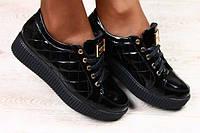 Красивые женские мокасины  на шнурках  из лаковой кожи в стиле Шанель