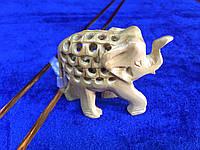 Слон беременный, ручная работа - символом материнства, мудрости и силы