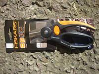 Универсальные ножницы с петлей для пальцев Fiskars (111450)