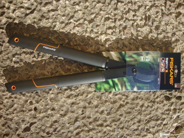 Сучкорез SingleStep™ плоскостной от Fiskars (S) L28 (112160)