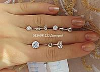 Серебряные гвоздики на закрутке с камешком
