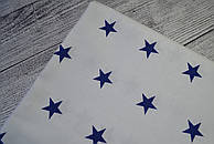 Лоскут ткани №160 с синими звёздами на белом фоне