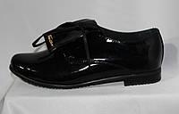 Женские черные туфли-полуботинки из натуральной лакированной кожи