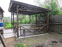 Садовая беседка с плоской крышей, открытая
