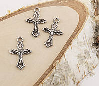 Подвески пластик кресты серебро 30мм (10штук)(товар при заказе от 500грн)