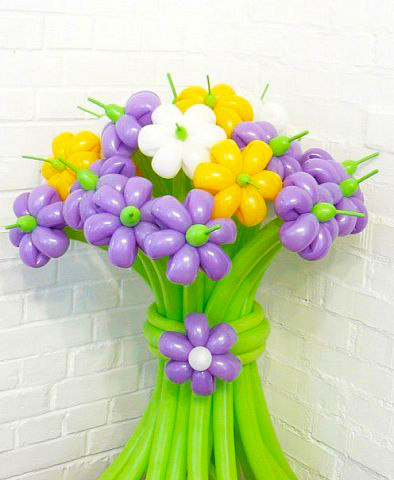 воздушные цветы на 8 марта