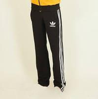 Черные спортивные штаны Adidas с белыми полосками