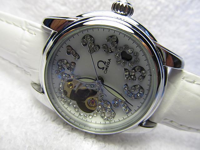Женские механические часы  скелетоны