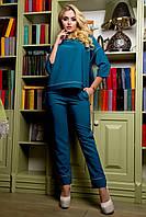 Брючный повседневный костюм, блуза с округлым вырезом горловины, рукавом 3/4, удлиненной спинкой, 42-52 размер