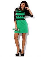 Платье зеленое с гипюром