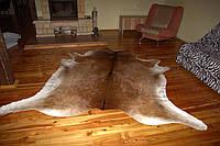 Шкура коровы коричнево-белая