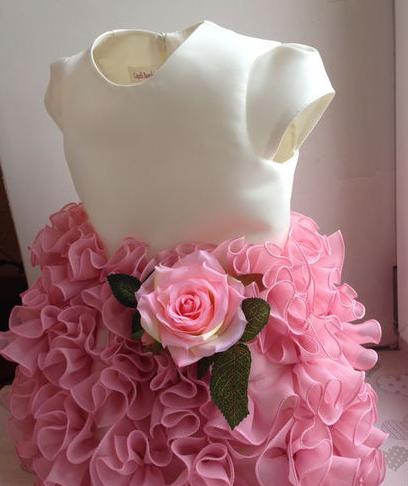 Нарядное платье на девочку от 80 см до 140 см.