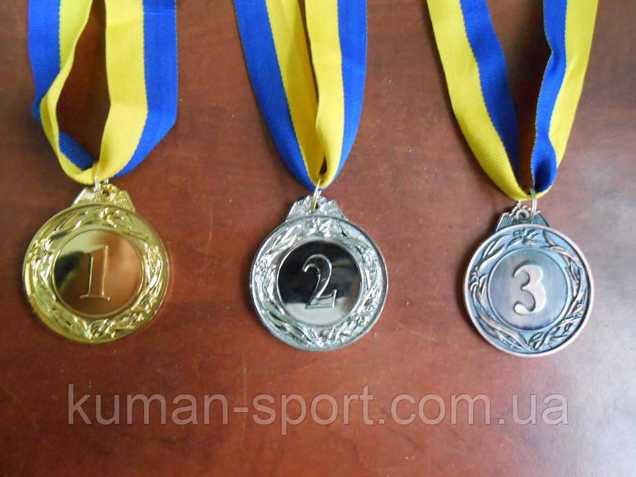 """Медаль с лентой """"Украина"""" . d-4,5 см,"""