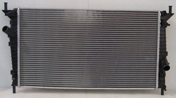 Радиатор охлаждения Ford Focus C Max 2004- (1.6-2.0) 670*378мм по сотах KEMP