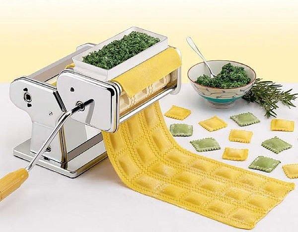 Машинка для приготовления равиоли Ravioli Maket - тестораскатка