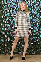 Платье в светлую клетку с длинным рукавом