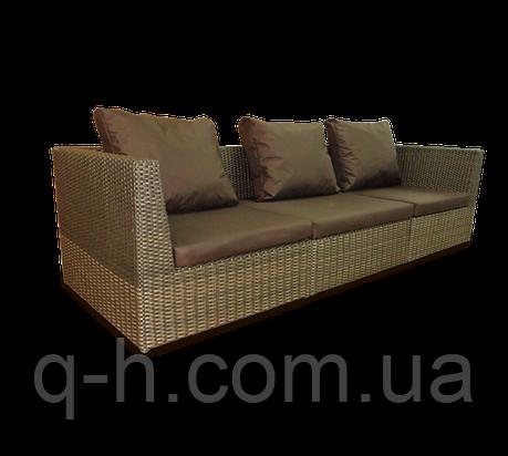 Плетеный диван трехместный Lagoon из ротанга искусственного коричневый, фото 2