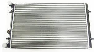 Радиатор охлаждения Skoda Octavia (1.6-2.0) 652*415мм по сотах KEMP