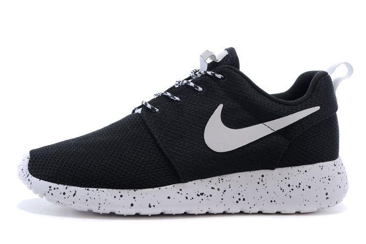 4261d338 Кроссовки Nike Roshe Run 1 найки рош ран черные+белая подошва с точечками  унисекс -