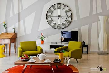 Часы в интерьере – эстетично, практично!