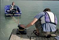 Как привязать лодку к причалу