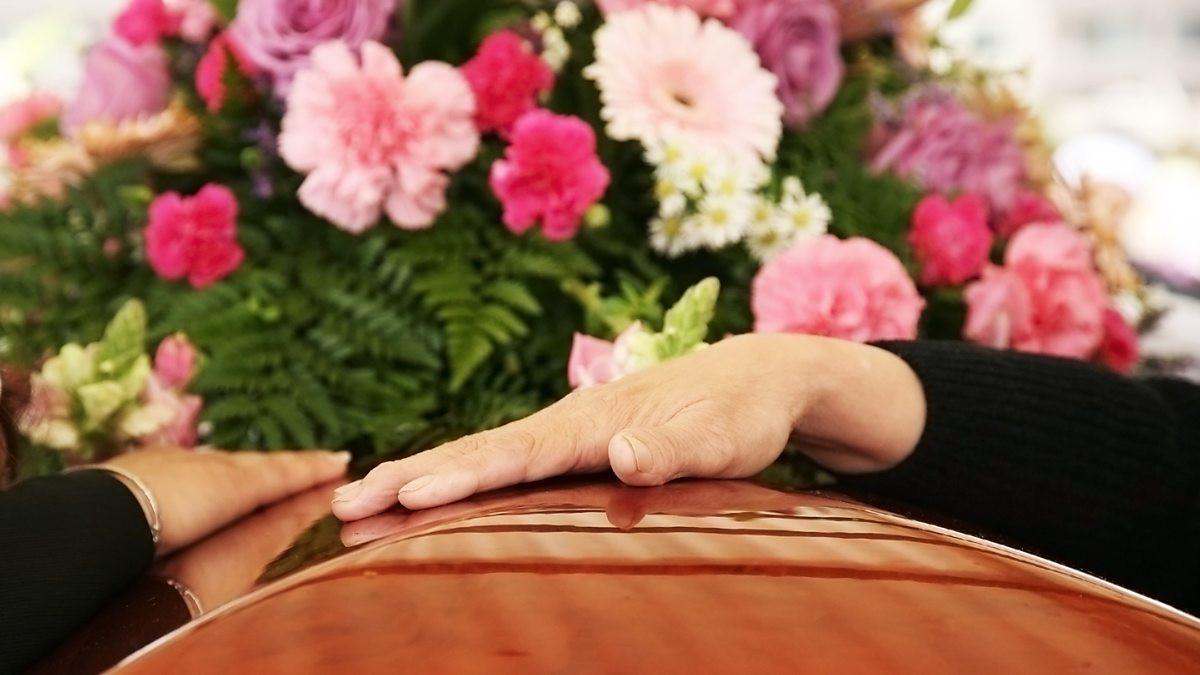 Распорядитель похорон